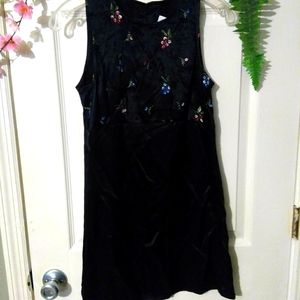 XOXO EMBROIDERED FLOWERS DRESS
